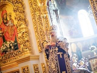 Верующие УПЦ в соцсетях поздравили наместника Киево-Печерской лавры с 60-летием