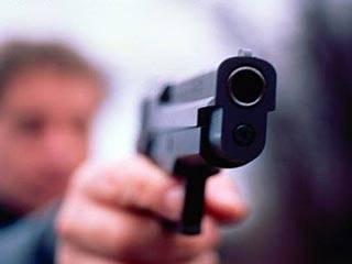 В Сети появилось видео, как водитель крутой иномарки стреляет по водителю маршрутки на глазах у пассажиров