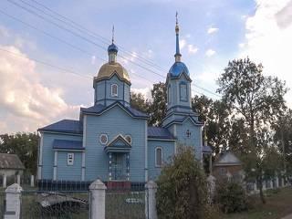 На Ровенщине верующая УПЦ выиграла суд против активистки ПЦУ, которая избила ее при захвате храма