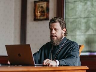 Епископ УПЦ призвал международное правозащитное сообщество защитить права верующих