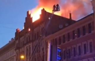 Опубликовано видео смертельного пожара в центре Риги