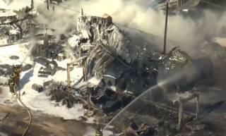 Опубликовано видео гигантского пожара на химзаводе в США
