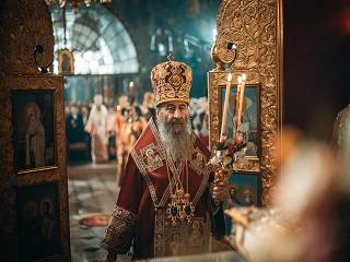 Предстоятель УПЦ поздравил верующих с праздником Пасхи