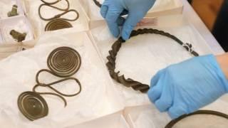 В шведском лесу совершенно случайно нашелся клад, принесенный в жертву более 2,5 тыс. лет назад