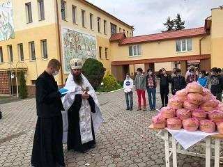 В Мукачевской епархии УПЦ в рамках благотворительной акции раздали больше 12 тыс пасок