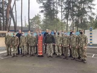 В Бориспольской епархии УПЦ священники поздравили с Пасхой военнослужащих и осужденных