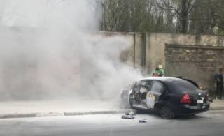 Водитель проверил на прочность бетонный забор в Одессе. Результат оказался предсказуемым