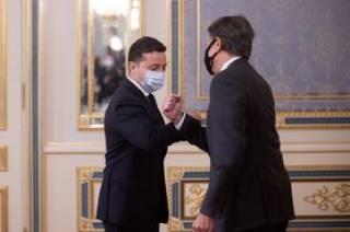 «Иногда это даже минус»: Зеленский удивился осведомленности американцев о делах в Украине