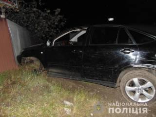 В Киеве пьяный работник СТО угнал Lexus клиента и разбил его