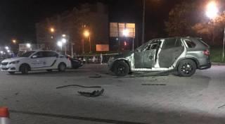 В Ивано-Франковске из гранатомета взорвали крутой внедорожник