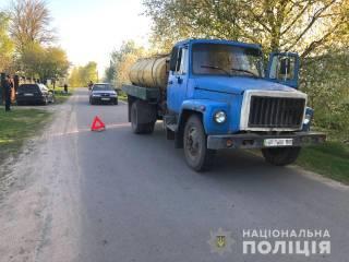 В Ровенской области маленького мальчика насмерть сбил грузовик