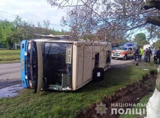 В Ровенской области перевернулся автобус с людьми