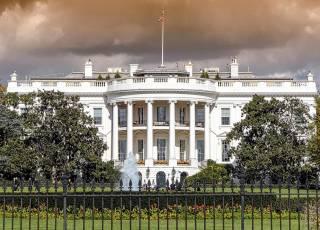 Американцы подозревают, что кто-то обстрелял Белый дом «направленной энергией»