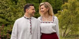 Зеленский поздравил украинцев с Днем вышиванки в российской косоворотке