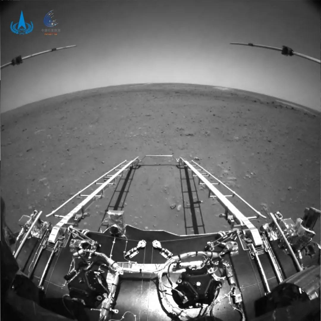 Поверхность Марса, снятая миссией Tianwen-1