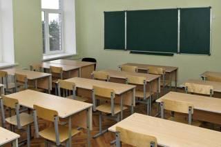 В одесской школе мальчику петардой оторвало палец