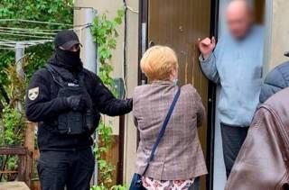 В Одессе женщина под видом логопеда приводила к мужу для сексуальных утех малолетних детей