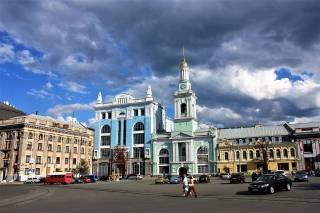 Сегодня и завтра движение в центре Киева будет серьезно ограничено. Полный список перекрытий