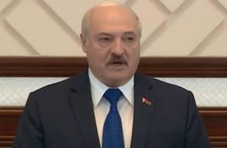 Лукашенко объяснил, почему пришлось посадить самолет Ryanair