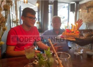У известного одесского юмориста внезапно умер внук. Названа причина