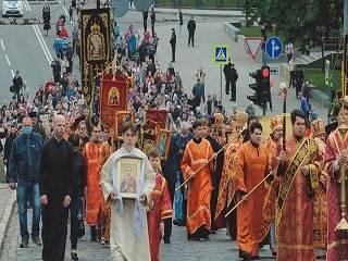 В Харькове в день мучеников Слобожанщины верующие УПЦ прошли крестным ходом