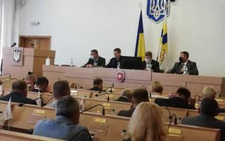 Ровенские депутаты устроили драку прямо на сессии облсовета