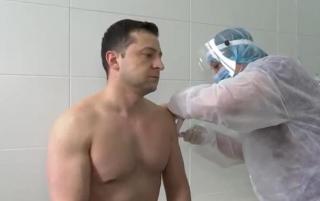 Зеленский получил вторую дозу вакцины от коронавируса