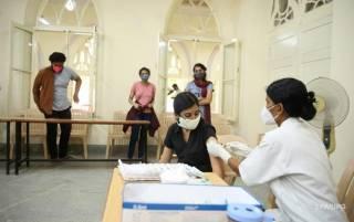В Индии обнаружен новый штамм коронавируса, против которого вакцина бессильна