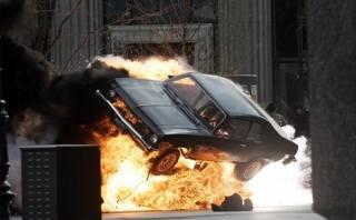 На Донетчине мужчина взорвал гранатой припаркованный автомобиль. Есть пострадавшие