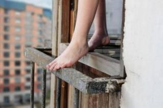 Во Львове студентка выбросилась из окна после ссоры с парнем
