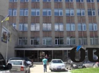 «Проклятый этаж»: в Тернополе очередной парень выпрыгнул из окна военкомата