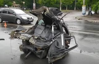 Смертельное ДТП в Одессе: автомобиль разорвало пополам