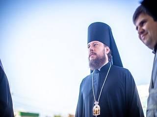 Епископ УПЦ назвал стояние под ВР возможностью исповедать свою веру