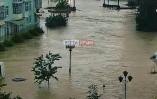 Появилось видео наводнения в Керчи