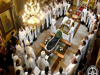 На Волыни попрощались с погибшими в ДТП архидиаконом и семинаристом УПЦ