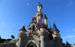 В Париже открылся Диснейленд. Спустя восемь месяцев