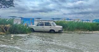 В Бердянске шторм наделал беды