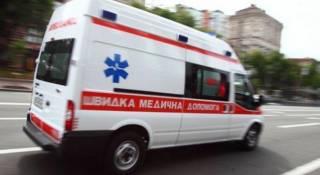 В Киеве молодая девушка выпала с 20-го этажа