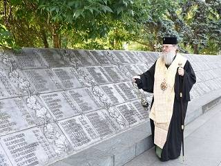 Митрополит УПЦ призвал беречь историческую память о Великой Отечественной войне