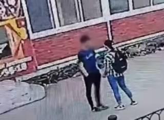 Опубликовано видео, как в России девочка зарезала мальчика