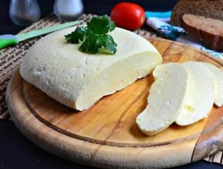 Как приготовить домашний сыр на закваске