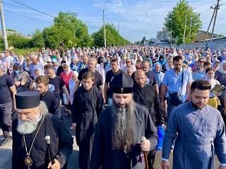 В Винницкой области состоялся крестный ход УПЦ к чудотворному Калиновскому кресту