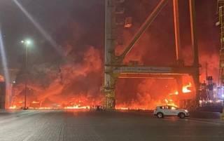 В порту Дубая прогремел мощный взрыв