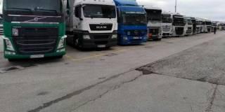 Из-за жары грузовикам запретили въезжать в Киев