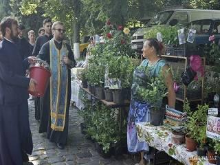 В Киево-Печерской лавре до 18 июля проходит православная ярмарка «Петропавловская»