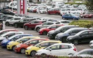 В Кабмине решили запретить ввозить в страну дизельные и бензиновые машины