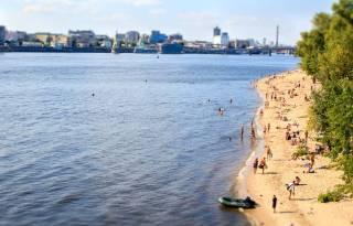 Из-за жуткой жары в Киеве закрыли все пляжи