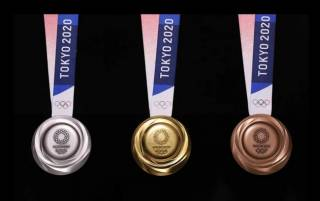 Медали на Олимпиаду в Токио изготовили из очень необычного материала