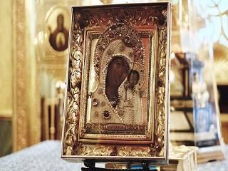 Сегодня верующие УПЦ празднуют день явления Казанской иконы Богородицы