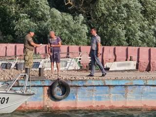 Румынский толкач «вторгся» в воды Украины